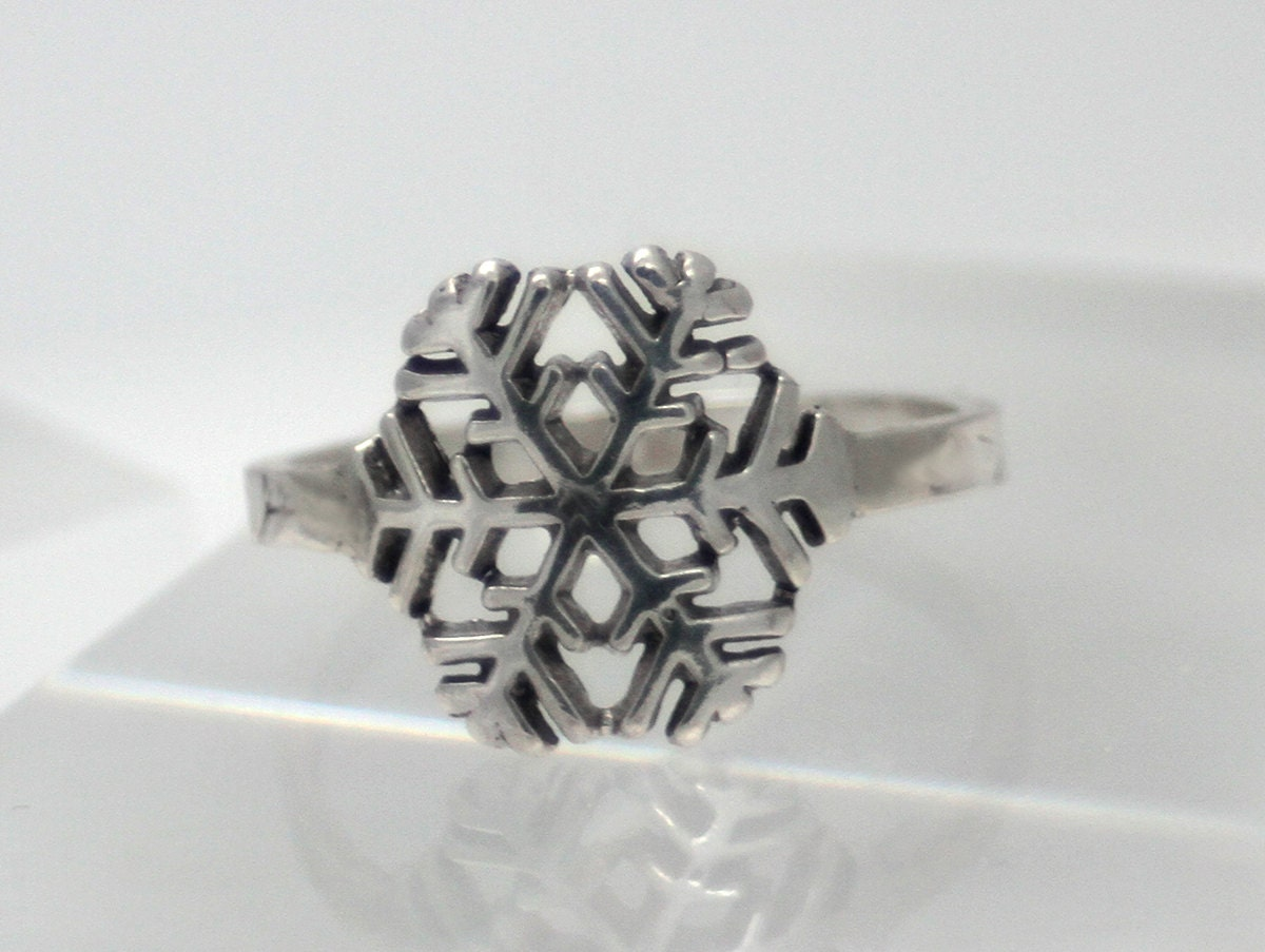 beautiful sterling silver snowflake ring eco friendly