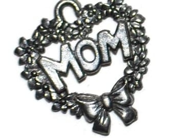 Mom Heart Wreath Silvertone Metal Charms Supplies Jewelry Supplies Set of 5