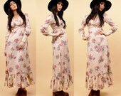 On Sale 70s Vtg Peach Maxi Dress / Rose Floral Print COTTON Hippie Mod Fitted Cuff / Ruffle Hem BOHO Festival / Xs - Sm