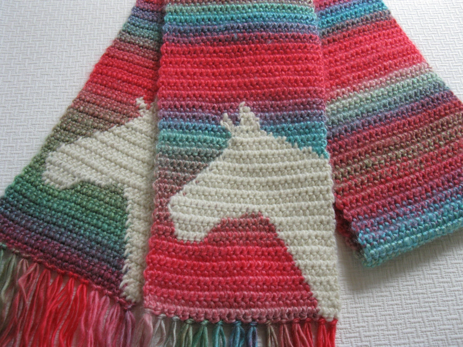 Amigurumi Horse Head : Colorful horse scarf. Crochet scarf with ivory horse head