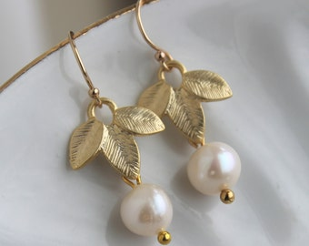 Gold Freshwater Pearl Earrings Gold Leaf Earrings - White Pearl Earrings - Gold Pearl Jewelry Bridesmaid Earrings - Pearl Bridal Earrings