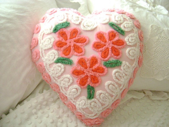 """Vintage Chenille, Pink and RED Daisy 'Sweet Heart' Pillow ~ The Perfect Valentine ~ Approximately 18"""" x 20"""""""