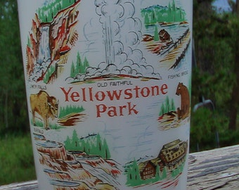 Vintage Yellowstone National Park Collectors Souvenir Glass