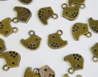 10 Little Chick Swallow Bird charms antique bronze 15x15mm PA15123