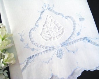"""Vintage Hand Towel, Blue Embroidery, Needle Lace Medallion, Cutwork, Scalloped 21"""" x 13"""""""