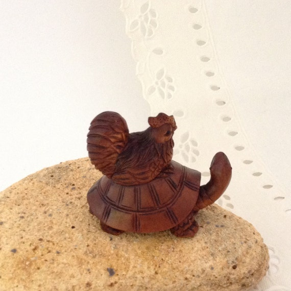 Hand carved turtle hen boxwood jewelry supplies focus