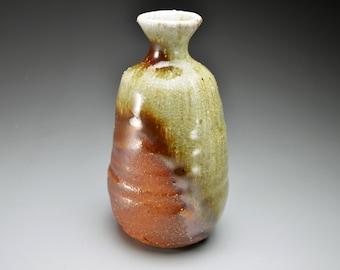 Shigaraki, anagama, ten-day anagama wood firing, with natural ash deposits sake bottle. tokuri-12