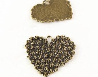 5pcs 35x44mm Antique Bronze Heart with Skulls Charm Pendants TB27638