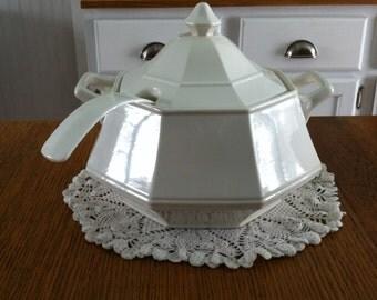 Thanksgiving-Winter White- soup terrine- serving-buffet-soup pot-White china