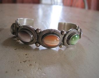 Navajo made sterling silver cat's eye bracelet