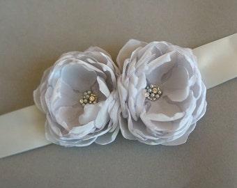 Gray Bridal Sash Narrow Silver Wedding Dress Sash Belt Bridal Flower Sash Wedding Accessory Silver Grey Bridal Sash Pearls Rhinestones