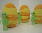 Alien Egg Bath Bomb - Alien Hatches as Bath Bomb Melts
