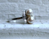 Vintage 14K White Gold Pearl and Diamond Ring.