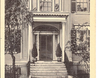 Vintage Linen Postcard....Chestnut Street Doorway, Salem, Mass.....Unused....no. 2433