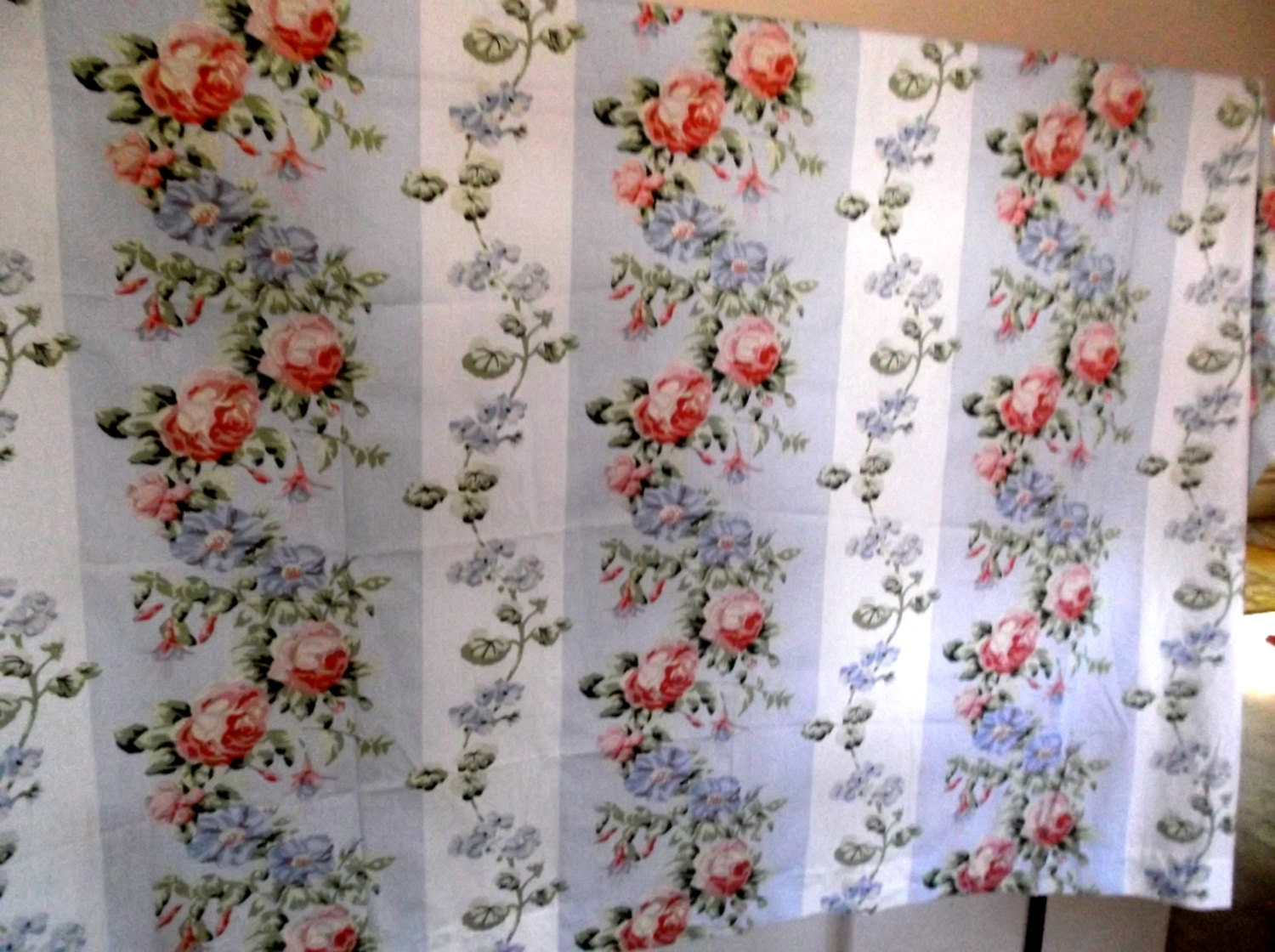vintage laura ashley shower curtain w tie back sale sale. Black Bedroom Furniture Sets. Home Design Ideas