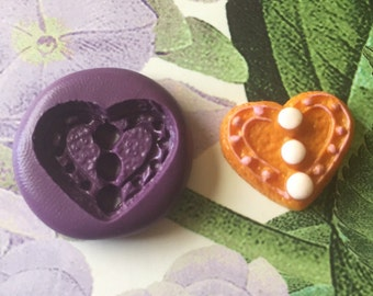 Flexible heart cookie mold
