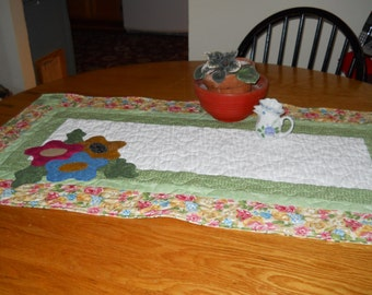 SPRING is in the Air  Table Runner