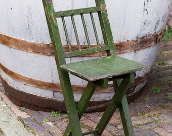 Vintage painted childs chair 1940,  1950. Collapsable, picnic chair, solid wood, beech wood. Childrens room, nursery