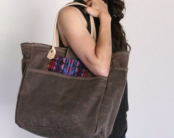 Waxed Canvas Tote Walnut