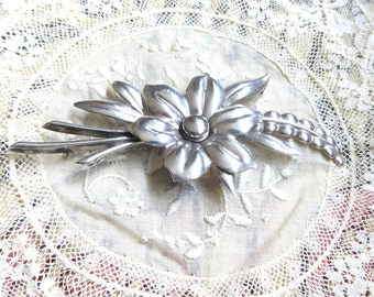 "1940s  Orig. sterling silver flowers / floral brooch / pin hallmark ""Taylord sterling"