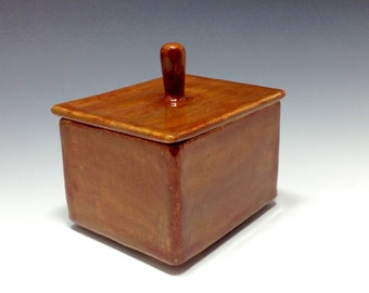 Ceramic lidded storage box
