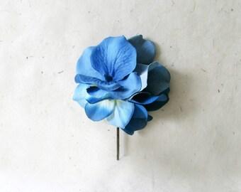 Blue Hydrangea Hair Pin. Fabric Flower Hair Accessory for Weddings, Summer Bridesmaids. Bright Horizon Blue Bridal Party Flower Hair Clip