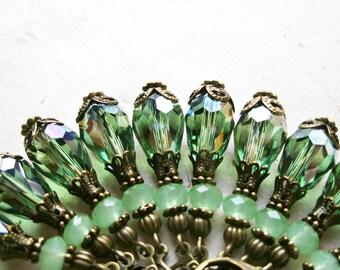 Jade Green Earring, 1920s Inspired, Crystal Earrings, Peridot Earrings, Teardrop Earring, Flapper Jewelry, Green Drop Earrings, Short Dangle