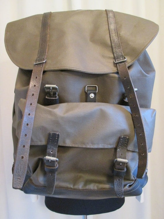 Vintage Swiss Army Leather And Canvas Backpack 14