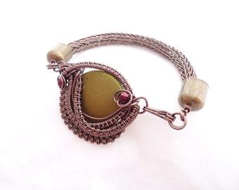 Viking Knit Bracelet - Olive Focal Bead - Gunmetal Wire Woven