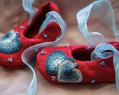 Red and blue hand-embroidered and beaded Baby Shoes - Hearts pattern - Valentine's Day Baby Shoes