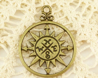 Antique Bronze Compass Charms Pendants (3) - A7
