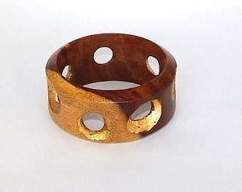 Wood Bracelet with Gold Leafed Spaces – Golden Attraction