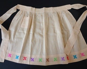 Gingham Apron - Ivory, Tan/Gold - Embroidered Stars - 1950's