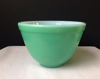 Vintage Jeanette - Mixing Bowl - 3 1/2 Cup - Green Fired-on Color