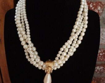 Retro  Pearl Necklace with Gold,Vintage Pearl Imatation,Fun Necklace, Cool Summer Necklace