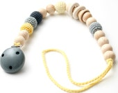 Baby dummy chain Pacifier clip, Crochet wooden rattle holder, stroller dummy chain, Grey & Yellow Teething wooden baby toy