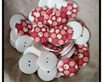 30mm wooden 'love' buttons x 10