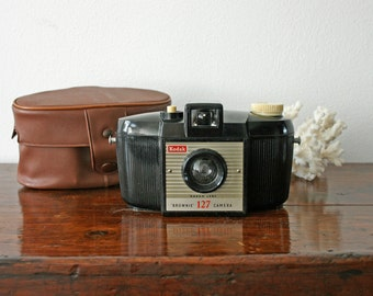 Vintage Kodak Brownie Camera With Leatherette Case