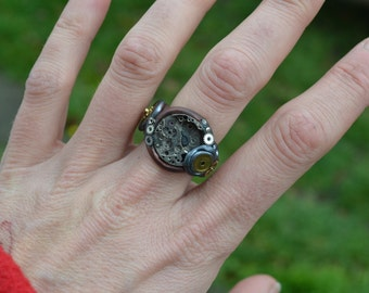 Steampunk Cogs Ring  UK Size R 1/2.....unique and beautiful.  Steampunk, Punk, Alice In Wonderland, Gypsy, Folk, Psy