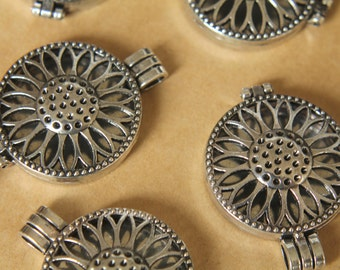 1 pc. Antiqued Silver Sunflower Lockets 44mm x 33mm | LOC-030