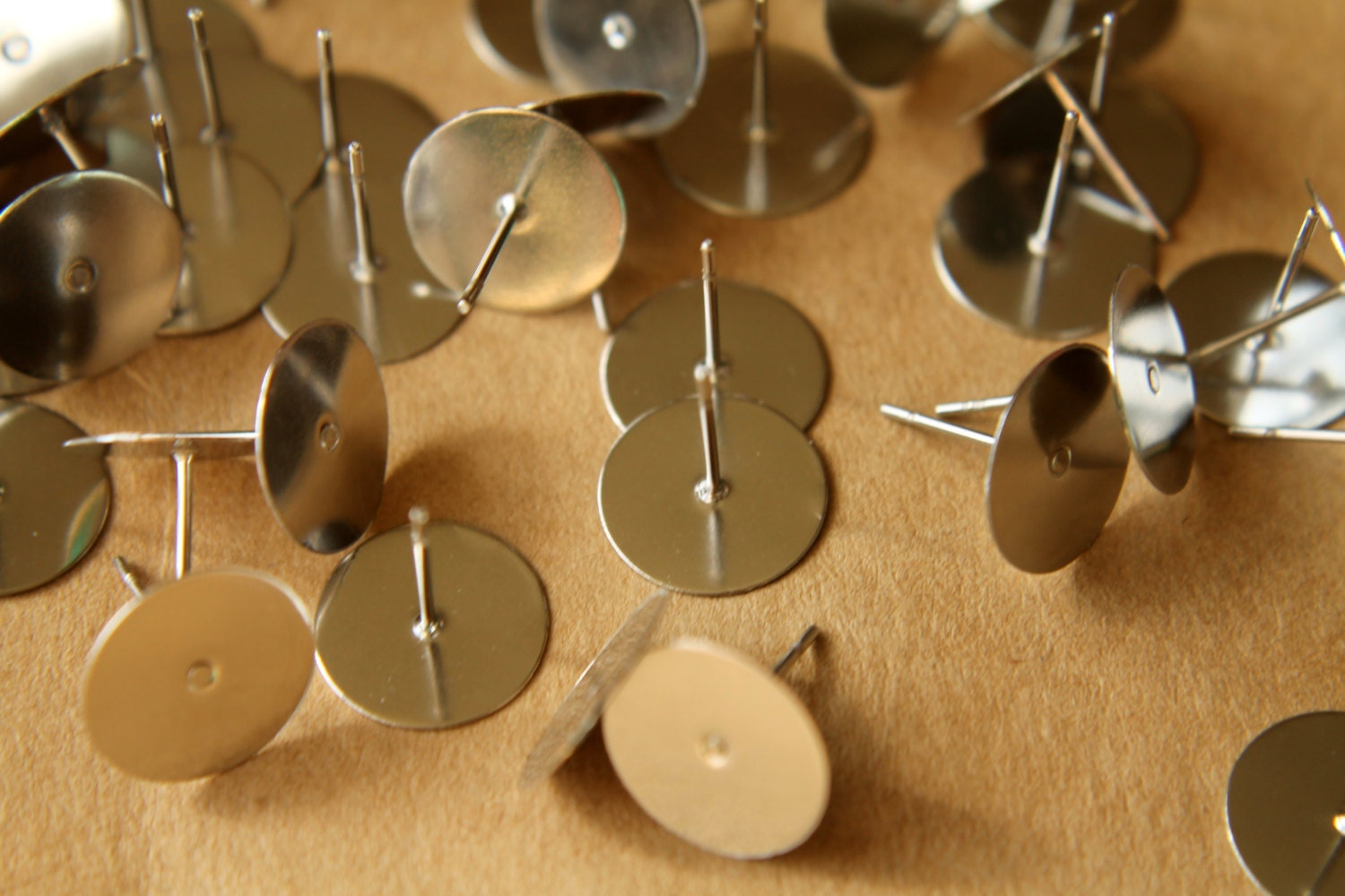 100 Pc Stainless Steel Earring Posts 10mm Pad Fi 140
