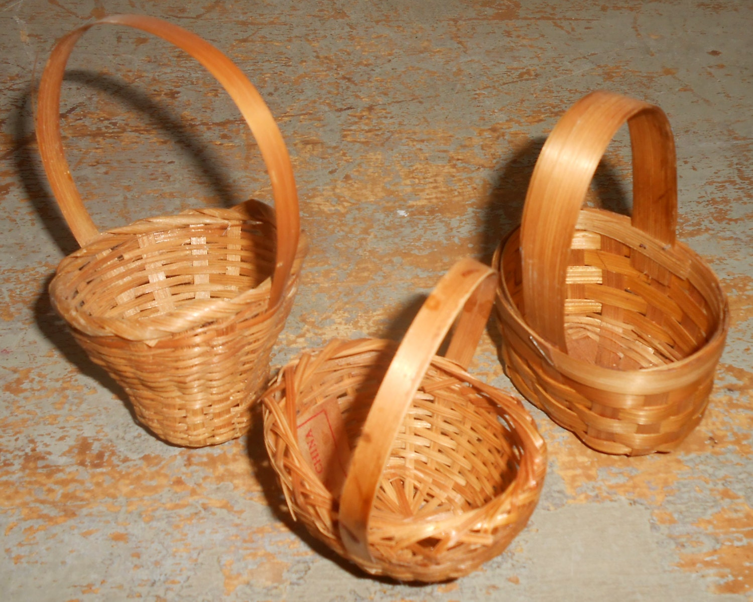 vintage baskets wicker miniature small tiny fairy house. Black Bedroom Furniture Sets. Home Design Ideas