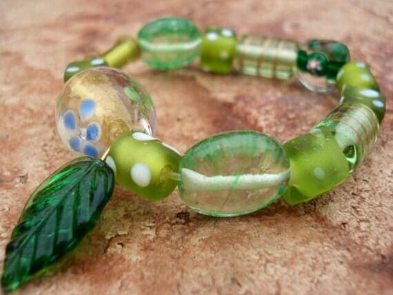 Glass Bracelet, Lampwork Bracelet, Womens Bracelet, Beaded Bracelet, Charm Bracelet, Green Bracelet, Stretch Bracelet, Boho Bracelet, Hippie