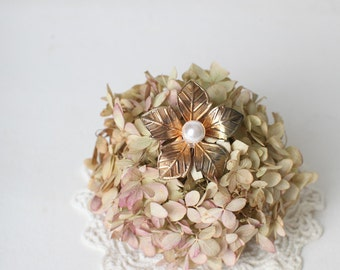 Vintage Gold Tone Floral Brooch With Pearl Center