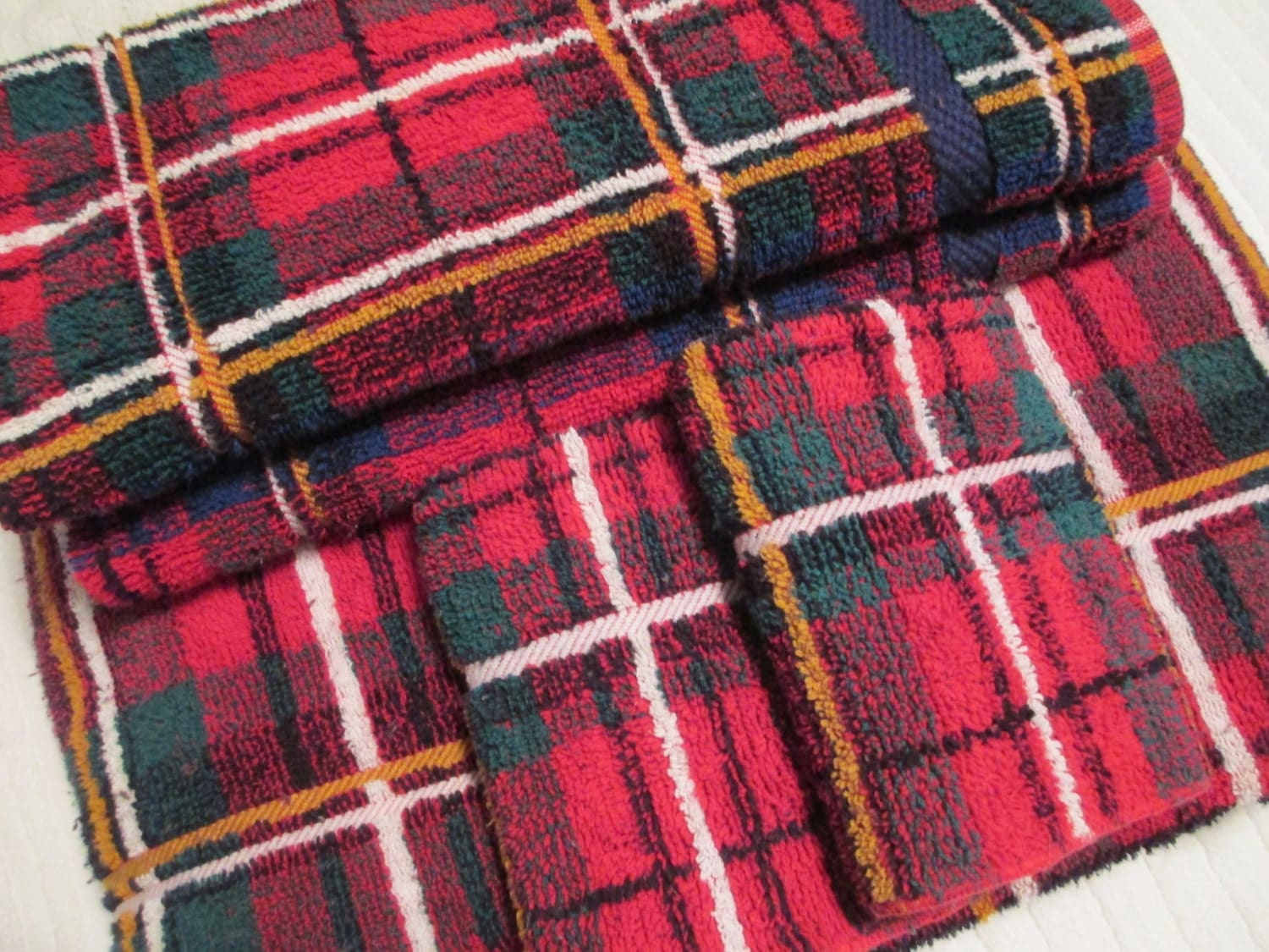 Red Plaid Bath Towel Set