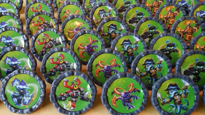 24 SKYLANDERS swap force giants trap team Cupcake party favor