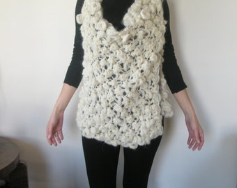 White multifunctional knitted poncho-vest