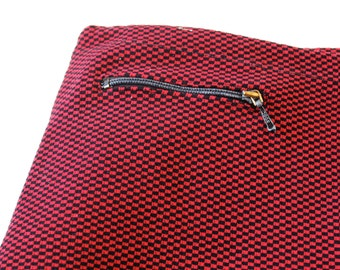 """VINTAGE Funky 1960s RED/BLACK Mini Check Knit Men's Swimmers - 32""""  (80cm) Waist -Made in France"""