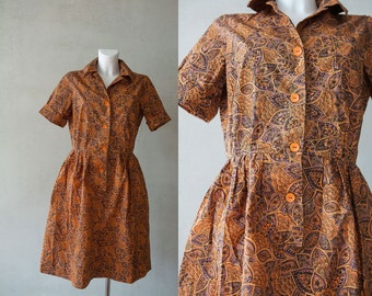 Retro 1950s   flower abstract print dress/ tan brown purple every day summer buttoned dress/ short sleeves knee length dress/ M medium