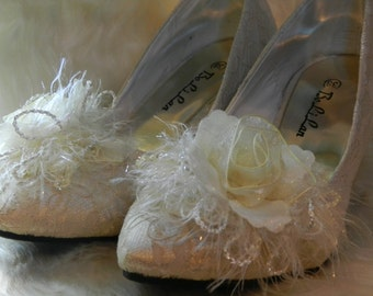 Flower lace Wedding Shoes: ivory lace bridal wedding heels,bridesmaid shoes (BS96613